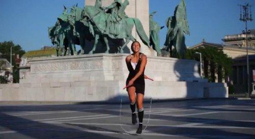 Девушка со скакалкой: лучшие трюки в мире