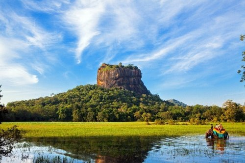 Скальная крепость Сигирия (7 фото)