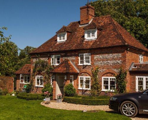 Уютные дома и усадьбы жителей графства Хэмпшир (26 фото)