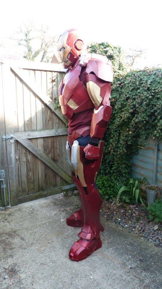 Фанат сделал потрясающий костюм Железного Человека своими руками