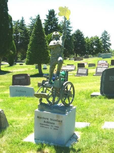 10 Очень необычных могил