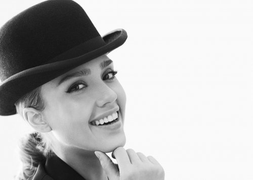 Джессика Альба в фотосессии для журнала Glamour (6 фото)