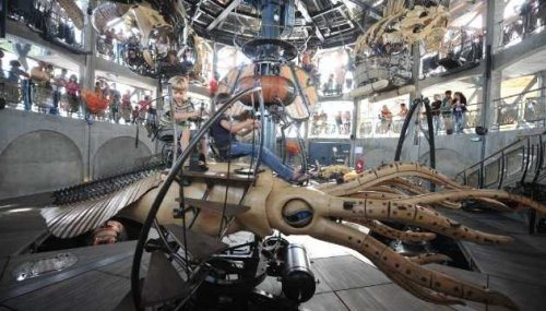Парк развлечений с механическими животными (6 фото)