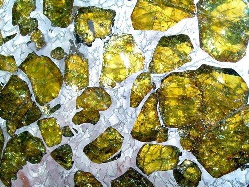 Прекрасный метеорит Фукан (8 фото)