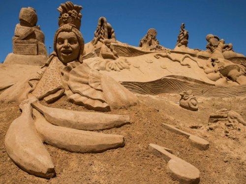 Фестиваль песчаных фигур в Португалии (11 фото)