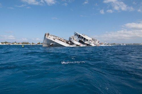 Обломки кораблей у Каймановых островов (17 фото)