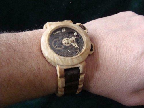 Потрясающие наручные часы из дерева от Валерия Даневич