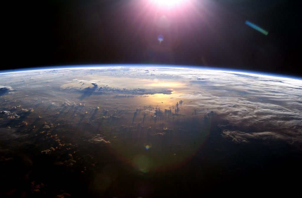 Взгляд на облака из космоса (12 фото)