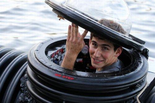 18-летний парень соорудил подводную лодку (6 фото)