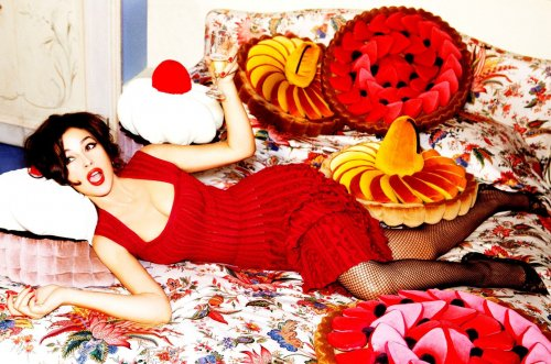 Моника Беллуччи в фотосете для журнала Glamour (Италия, 2012) (13 фото)