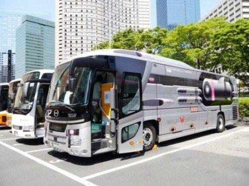 Испытайте космическое путешествие, сидя в конце японского автобуса