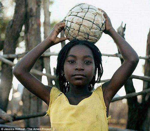 Африканские футбольные мячи (11 фото)