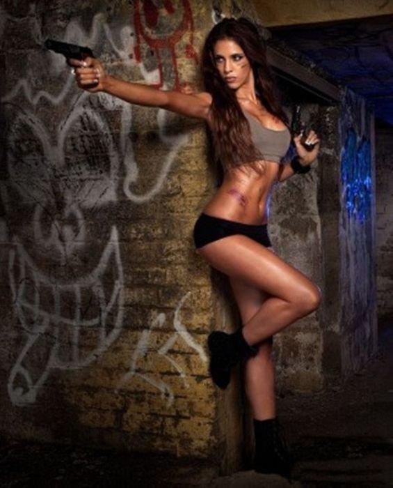 Сексидевушки с оружием