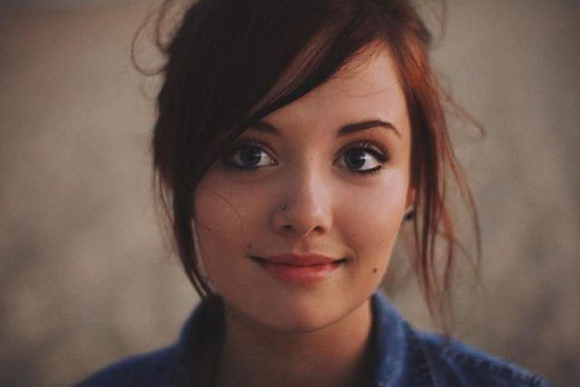 Симпатичные девушки из соцсетей (32 фото)