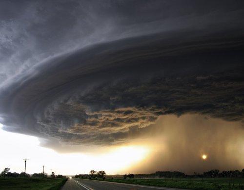 Самые впечатляющие фотографии торнадо (21 фото)