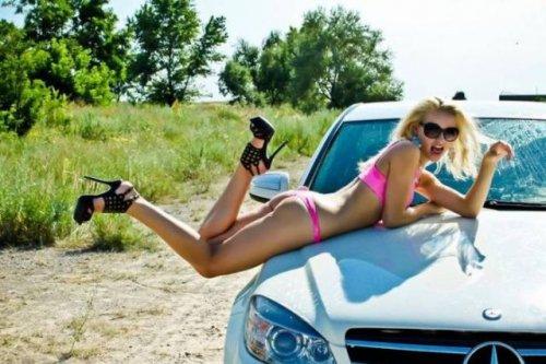 Сексуальные девушки и автомобили (29 фото)