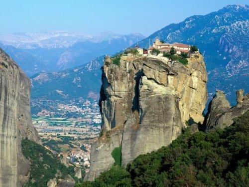 10 Невероятно изолированных монастырей