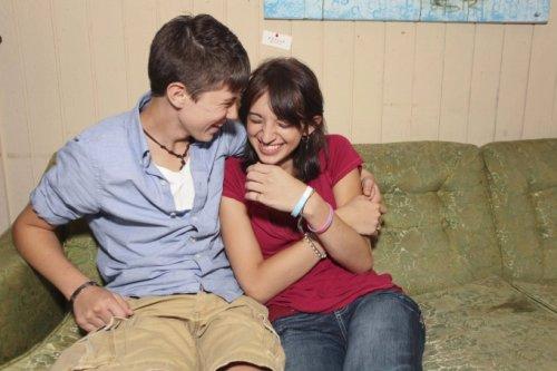 Нарочно не придумаешь: необычная история любви (13 фото + 1 видео)