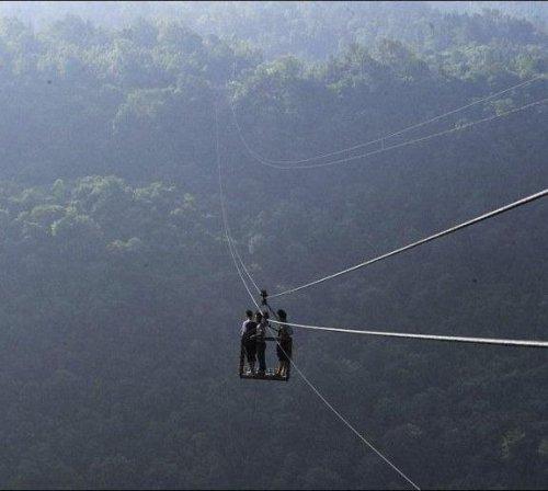 Единственная дорога, по которой можно добраться до деревни Юшань (9 фото)