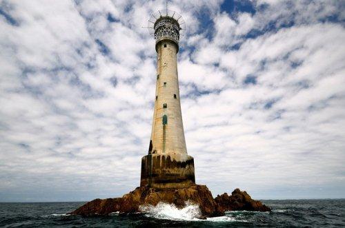 Бишоп-Рок: Самый маленький остров в мире