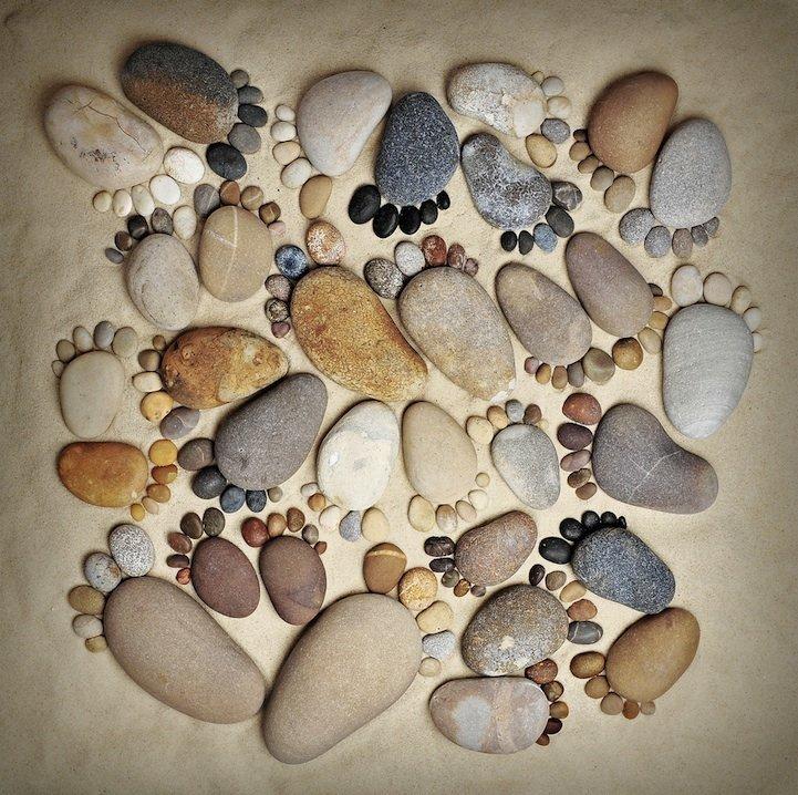 Рисунки камнями на бумаге