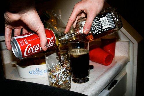 Топ-10: Скандальные ингредиенты, обнаруженные в Кока-Коле