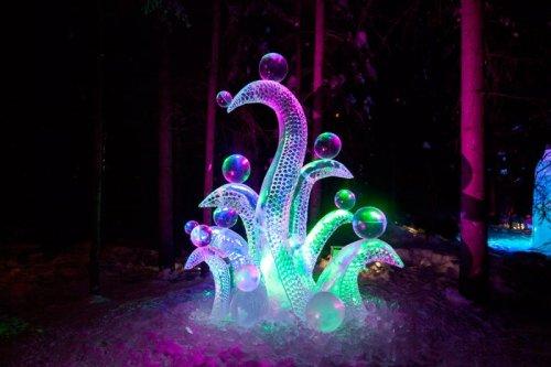 Ледяные скульптуры в Фэрбанксе (15 фото)