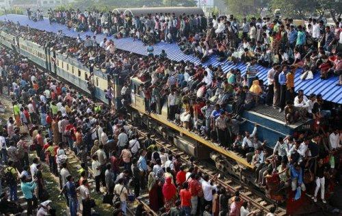 Предпраздничный хаос в Бангладеш (14 фото)