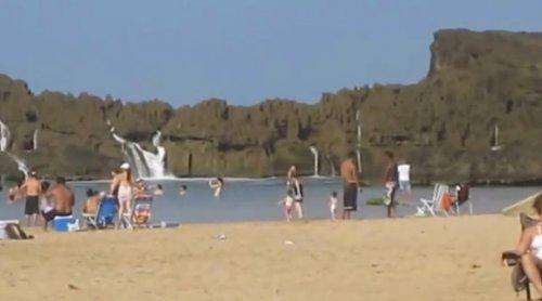 Массивные волны на пуэрториканском пляже Puerto Nuevo