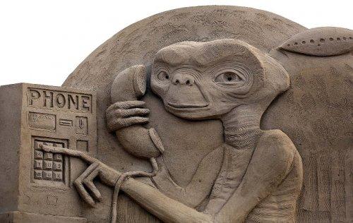 Песчаные скульптуры огромных размеров со всего света (14 фото)