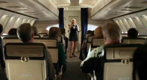 Почему во время взлёта и посадки самолёта нужно выключать электронные приборы