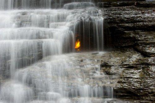 10 Природных вечных огней, о которых вы могли не знать