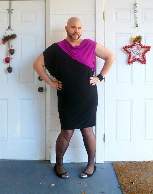 """Майкл Спукшоу и """"Его чёрное платье"""" (20 фото)"""