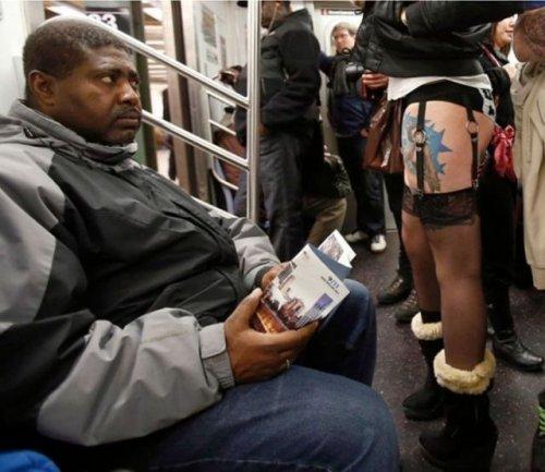 Странные пассажиры в метро (25 фото)