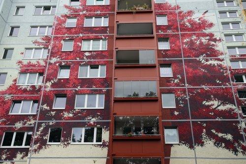 Крупнейший в мире настенный рисунок создан в Берлине (25 фото)