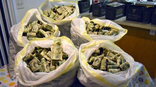 10 Честных человек, которые нашли крупную сумму денег и вернули её