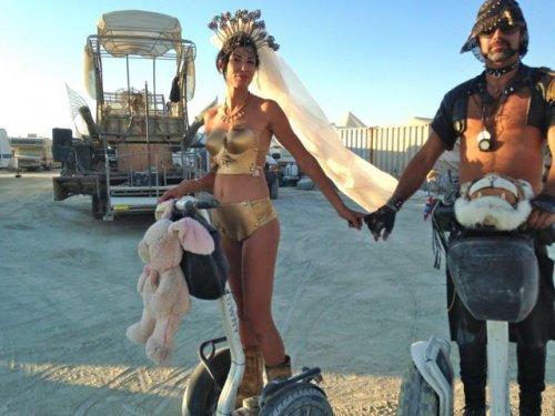 Участницы и участники фестиваля Burning Man (36 фото)