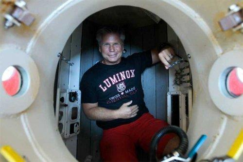 Подводная лодка, собранная из металлолома (7 фото + видео)