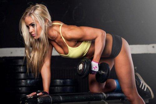 Спортивные девушки (24 фото)