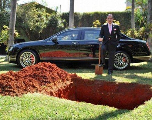 Намерение бразильца похоронить свой Bentley получило неожиданную развязку