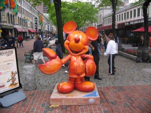 Топ-10: Самые странные статуи на планете