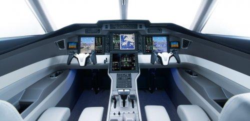 Внутри кабины пилотов разных воздушных судов (21 фото)