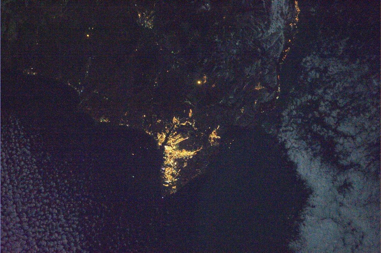 ночной крым из космоса фото это такое как