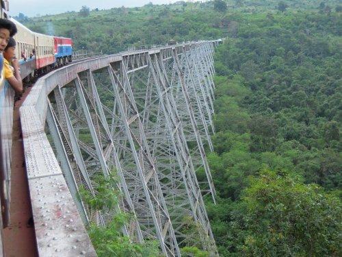 Виадук Готейк – самый высокий мост в Мьянме (7 фото)