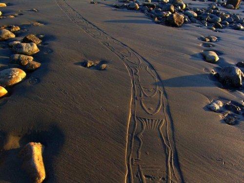 Орнаментальные рисунки на песке Ахмада Надальяна
