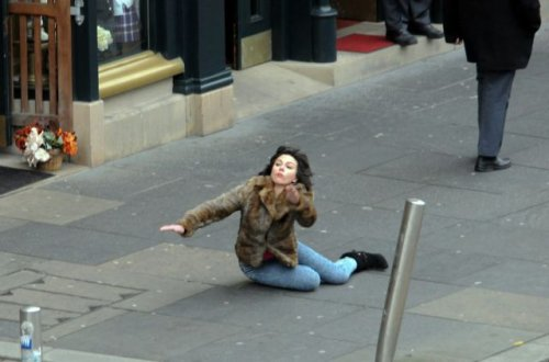 Фотожабы на падающую Скарлетт Йоханссон (21 фото)