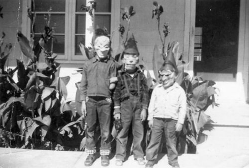 Костюмы на Хэллоуин в прошлом (19 фото)