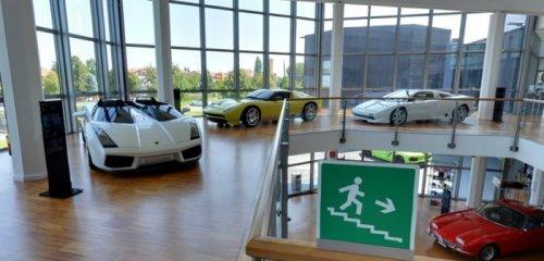 Виртуальный музей Lamborghini от Google Maps (11 фото)