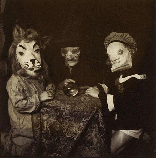 Костюмы на Хэллоуин из прошлого (20 фото)