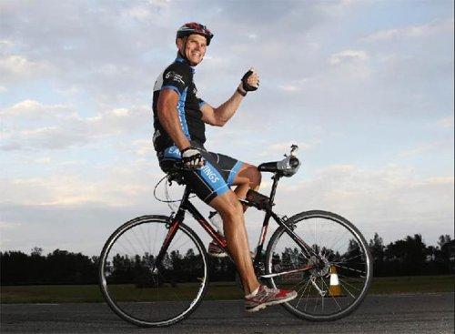 Велосипедист ехал задом на велосипеде 24 часа и преодолел 337 километров